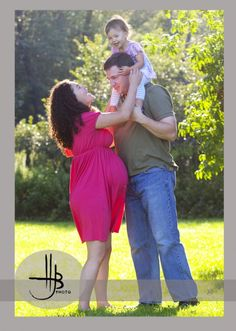 Image detail for -Family maternity photos with Mom, dad, daughter and Chicago skyline ...