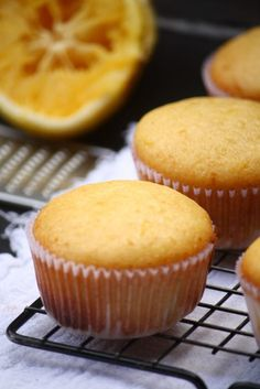 Orange Muffin - Recetas y comidas - Muffins Donut Muffins, Lemon Muffins, Coffee Muffins, Pan Dulce, Muffin Recipes, Cake Recipes, Dessert Recipes, Food Cakes, Cupcake Cakes