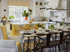 Luxury Small Kitchen Yellow Kitchen Island Paint Idea - These alternative kitchen cabinet colors are drop dead gorgeous! It really pays to stand out a little! Kitchen On A Budget, Kitchen Living, Kitchen Decor, Kitchen Modern, Kitchen Styling, Luxury Kitchens, Cool Kitchens, Yellow Kitchens, Kitchen Yellow