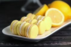 Join us for an authentic French macaron cooking class ! Learn all the secrets to succeed with macarons with an expatriate French chef ! We will bake delicious l Lemon Macaron Recipe, Lemon Macarons, Macaroon Recipes, Lemon Crinkle Cookies, Lemon Cookies, Chip Cookies, Sugar Cookies, Macaron Cookies, Macaroons