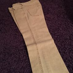 ☀️ Free People Cropped Skinny Jeans ☀️ Light Mustard/Grey color Free People summer jeans. Barely worn wrong size for me but great condition! Also available in a bundle!! Free People Jeans Skinny
