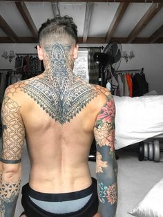 The way we live and the things we love Tattoos Motive, Boy Tattoos, Head Tattoos, Body Art Tattoos, Tattoo Ink, Back Of Neck Tattoo, Neck Tattoo For Guys, Full Body Tattoo, Tattoos For Guys