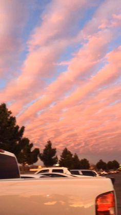 my happy place - Fotografie Pretty Sky, Beautiful Sky, Sky Aesthetic, Aesthetic Vintage, Ciel Art, Sunset Sky, Sunset Tumblr, City Sunset, City Sky