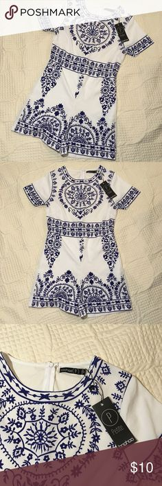NWT Boohoo Size 2 White Blue Floral Paisley Romper NWT  US Size 2  See Photos for a few defects Boohoo Petite Pants Jumpsuits & Rompers
