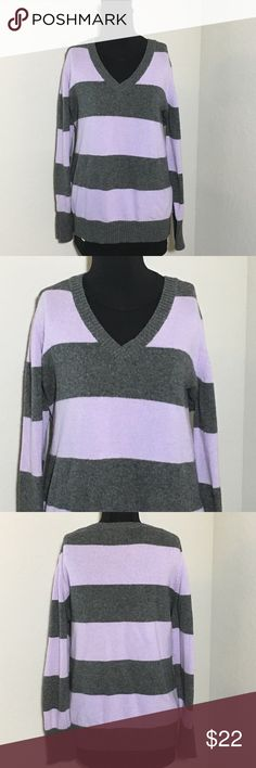 """Old Navy Sweater Purple Gray Striped V-neck XXL Women's Old Navy purple and gray striped v-neck long sleeve sweater Sz XXL measurements 24"""" armpit to armpit, 26"""" shoulder to hem, 24.5"""" sleeve Excellent condition no flaws Old Navy Sweaters V-Necks"""
