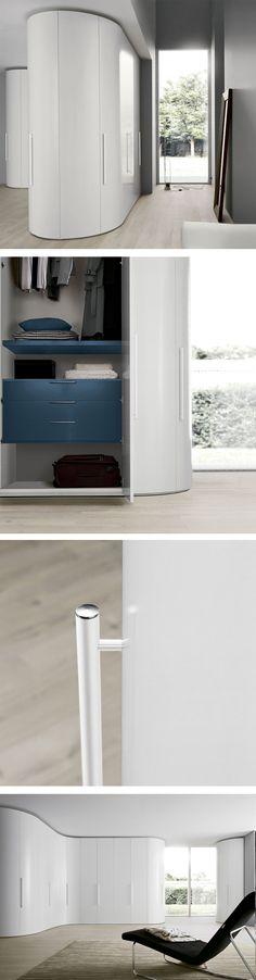 Das ein Kleiderschrank nicht nur an der Wand stehen muss, zeigt - einrichtungsideen im minimalistischen wohnstil