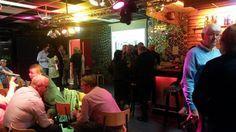 Tijd voor pauze bij het Politiek Café #Zevenaar @Jongeren4ALL Donderdag 25 september 2014. Via twitter @jw4zevenaar