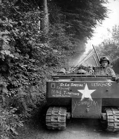 Weasel ('St Lo Special personnel and supply carrier of 'C'Coy, Combat Engineer Battalion, US Infantry Division. Tiger Ii, Military Photos, Military History, Military Pins, Battle Of Normandy, Normandy Ww2, Normandy France, Ww2 Photos, Ww2 Pictures