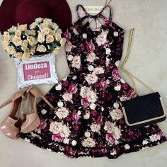 Vestido Manguinha  Liane  Neoprene C/ BOJO FECHADO  nas costas( Estampa  Flowers Luvre/ Fundo Preto)