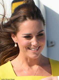 What Kate Wore blog post on Kate, William & George's first day in Australia. April 16, 2014