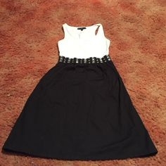 •MLLE GABRIELLE DRESS •MLLE GABRIELLE DRESS. SIZE MEDIUM. IN GOOD CONDITION Other Dresses