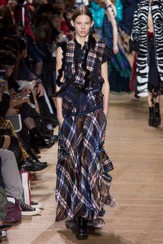Sacai Fall 2017 Ready-to-Wear Fashion Show - Julia Merkelbach