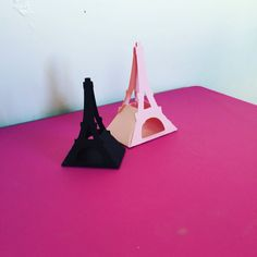 Favor Paris pink and black