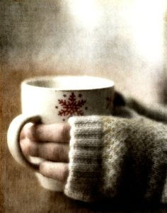 Nothing better on a cold winter day than a warm sweater and a cup of hot chocolate. Winter Christmas, Christmas Time, Christmas Morning, Christmas Canvas, Christmas Coffee, Country Christmas, Hello January, Happy February, The Lord Is Good