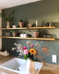 Küchen Design, Flat Design, Interior Design, Wall Shelves, Kitchen Interior, Decoration, Floating Shelves, Beautiful Homes, Sweet Home