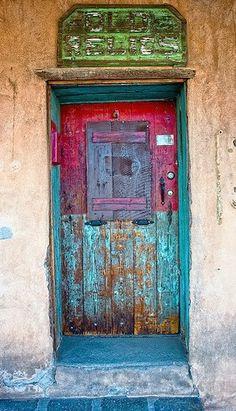 Santa Fe, New Mexico - love the color, love the door Cool Doors, Unique Doors, When One Door Closes, Santa Fe Style, Door Gate, Painted Doors, Door Knockers, Closed Doors, Doorway