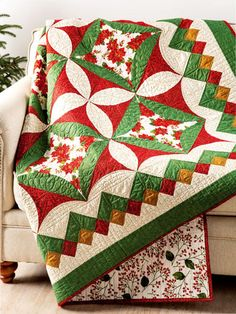 Traditional Lap Quilt & Throw Patterns - Here's your chance to create a masterpiece. Challenge yourself with sewing curves, working with templates and making a great border! Finished size x Design originally published in Quilter's World Winter Beginner Quilt Patterns, Quilt Patterns Free, Christmas Quilt Patterns, Christmas Quilting, History Of Quilting, Quilt Storage, Winter Quilts, Quilt Border, Quilting Designs