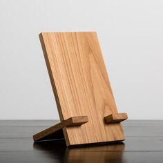 HDC Tablet Holder Walnut – Harp Design Co Diy Book Stand, Diy Phone Stand, Book Holder Stand, Wood Phone Stand, Wood Shop Projects, Small Wood Projects, Tablet Holder, Tablet Stand, Wooden Books