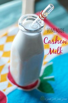 Homemade Cashew Milk #vegan #paleo / GoodGirlGoneGreen.com