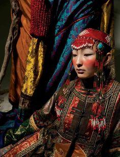 "The Unknown Dynasty of China "" Goodali. 2011. Back from the past. Photo by: Batkhuleg B. Stylist: Bolortuya P. Model: Baljidmaa Yu. """