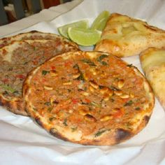 ESFIHARIA MIQUERINOS I OFICIAL Comida Delivery, Meatloaf, Quiche, Breakfast, Food, Goat Cheese, Hummus, Wood Oven, Roasts