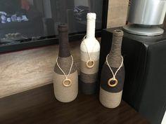 Super Creative Bottle Craft Ideas With Yarn Recycled Glass Bottles, Glass Bottle Crafts, Wine Bottle Art, Wine Cork Crafts, Diy Bottle, Mason Jar Crafts, Wine Decor, Art N Craft, Bottle Painting