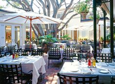 Campiello Restaurant in Naples Florida is wonderful for people watching.  This is where the hoi poloi come out to play.