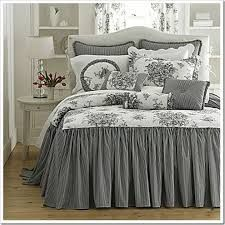 Trendy bedroom ideas grey and white bedspreads Bedroom Black, Dream Bedroom, Bedroom Colors, Bedroom Decor, Bedroom Ideas, White Bedspreads, Comforters, French Country Bedrooms, Living Room Grey