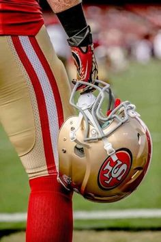 Sf come home to regroup then it's Two for Six. Nfl 49ers, 49ers Fans, Football Team, Football Helmets, Football Stuff, Football Season, 49ers Pictures, San Francisco Football, 49ers Players