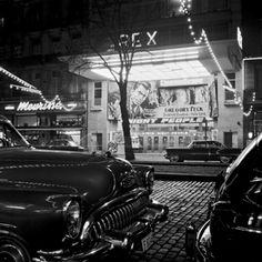 Antwerpen 1954. Bioscoop Rex en geparkeerde Buick © FotoMusem Provincie Antwerpen