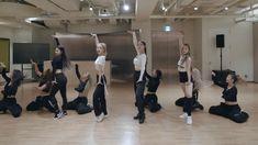 Black Mamba, Bts Dance Practice, Black Pink Dance Practice, Dance Choreography Videos, Dance Videos, Shinee, Step Up Dance, Nct 127, Mv Video
