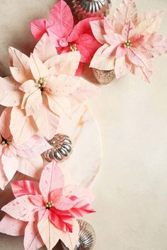 Why not start your Christmas decorations early with this easy crêpe paper poinsettia tutorial from Joy the Baker? We love the peach and pink colour scheme! Tissue Paper Roses, Paper Flower Art, Paper Flowers Craft, Crepe Paper Flowers, Flower Crafts, Diy Flowers, Flower Diy, Tissue Flowers, Handmade Flowers