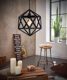 De Embleton hanglamp van Eglo mag overdag gezien worden en zorgt in de avond voor fijn licht. Ceiling Pendant, Pendant Lighting, Ceiling Lights, Simple Bedroom Decor, Interior And Exterior, Interior Decorating, House Design, Inspiration, Home Decor