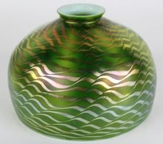 Signed-Louis-Comfort-Tiffany-LCT-Favrile-Swirl-Iridescent-Art-Glass-Lamp-Shade