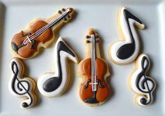 Need to practice my violin cookies before I attempt these for real Fancy Cookies, Iced Cookies, Cute Cookies, Royal Icing Cookies, Cookies Et Biscuits, Sugar Cookies, Cupcakes, Cupcake Cookies, Formation Patisserie