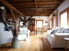 """Fancy """"Nadia Dole Home"""" situated in the New England's countryside."""