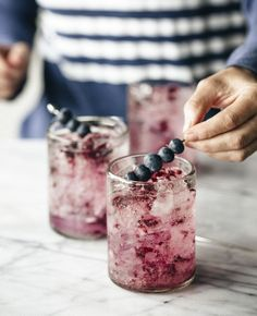 We love berry season so, why not combine the summer fruit with booze to create delicious berry cocktails? These all look amazing! Milk Shakes, Tequila Sunrise, Easy Cocktails, Cocktail Recipes, Healthy Cocktails, Summer Fruit, Summer Drinks, Non Alcoholic Drinks, Beverages