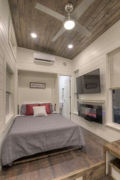 Tiny Home Freedom by Alabama Tiny Homes - Freedom Tiny House on Wheels by Alabama Tiny Homes 004 The Effective Pictures We Offer You About - Tyni House, Tiny House Living, Small Living, Home And Living, Living Room, Tiny House Bedroom, Tiny Bedrooms, Guest Bedrooms, Small Room Design