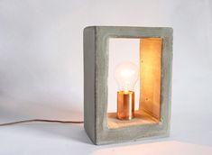 Luminária de Concreto - Estilo Próprio by Sir Luminária de Concreto, faça luminária Luminaria Diy, Concrete Crafts, Projector Lamp, Design Crafts, Diy Crafts, Floating Nightstand, Candle Sconces, Lighting Design, Candle Holders