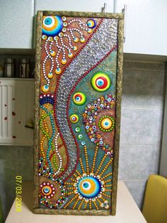 Seramik ve Dekoratif Resimler ile Alakalı Bir Blog ' tur...Tasarımcı:Ayşegül ARSLAN Mandala Painting, Dot Painting, Stone Painting, Mosaic Crafts, Mosaic Art, Murs Roses, Mandala Dots, Mural Art, Stone Art