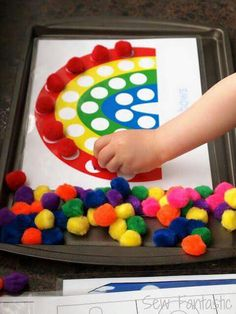 Printables for pom pom activities for kids kids-crafts Kids Crafts, Preschool Crafts, Preschool Colors, Wood Crafts, Toddler Crafts, Motor Activities, Craft Activities For Kids, Sorting Activities, Cookie Sheet Activities
