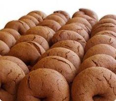 Μουστοκούλουρα με πετιμέζι - gourmed.gr Greek Sweets, Greek Desserts, Cold Desserts, Greek Recipes, Easy Desserts, Donut Recipes, Pastry Recipes, Cookie Recipes, Dessert Recipes