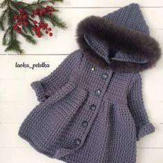 jpg – Page 630644754046964640 – SkillOfKing.Com – Page 291115563414097938 – SkillOfKing.Com – Page 725994402413694127 – SkillOfKing. Crochet Baby Cardigan, Knit Baby Booties, Crochet Coat, Crochet Baby Clothes, Crochet Jacket, Baby Girl Cardigans, Baby Sweaters, Baby Sweater Patterns, Baby Knitting Patterns