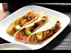Machacado con huevo. El machacado con @huevo es tradicional del norte de México. Se sirve como @almuerzo o incluso como cena. Se puede preparar a la mexicana con o sin chile.