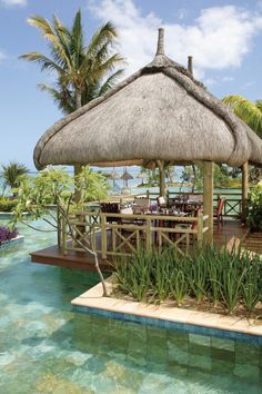Relaxed Atmosphere at La Pirogue Resort | Mauritius