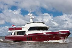 A unique layout makes the Privateer Trawler 65 far more than just another displacement mile muncher