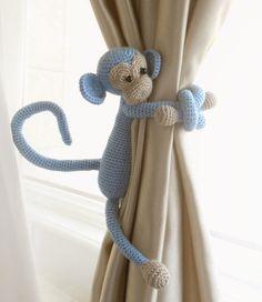 Monkey curtain tie pcs,Shabby chic curtains,Crochet Curtain Tie Backs,Nursery tie backs,Nurse - Cortinas Shabby Chic, Rideaux Shabby Chic, Shabby Chic Curtains, Boys Curtains, Nursery Curtains, Porch Curtains, Crochet Monkey, Crochet Baby, Crochet Toys