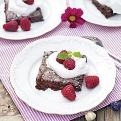 Brownies med hallon & valnötter