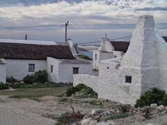 Kassiesbaai fishermen cottages Arniston Fishermans Cottage, Cape Dutch, Dutch House, South African Artists, Farm Houses, Country Farmhouse, Lighthouses, West Coast, Cottages