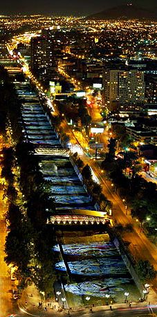 Chile a la Luz. night view of Río Mapocho - Santiago, CHILE Central America, South America, Latin America, Beach Paradise, Places To Travel, Places To See, Places Around The World, Around The Worlds, Wonderful Places